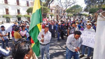 Transportistas protestan por beneficios en viajes