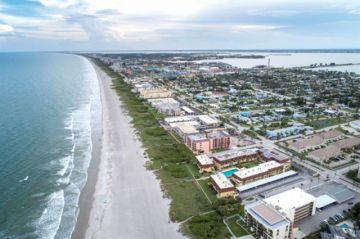 Huracán Dorian sube de  categoría cerca de Florida
