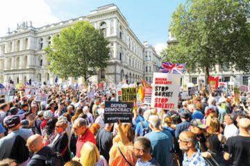 Británicos piden la apertura del  Legislativo