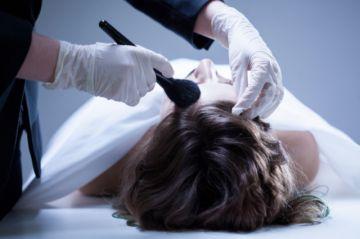 ¿Cómo tratar un cadáver?