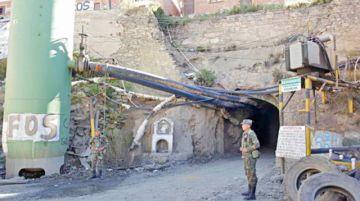 Huanuni: Retienen a ladrones de mineral
