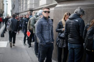Argentina busca evitar peligrosa fuga de divisas