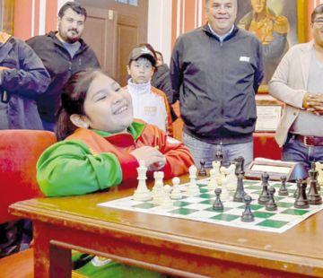 Boliviana obtiene 14º en cita de ajedrez en China