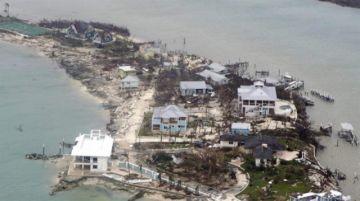 Equipos de rescate trabajan en ayuda a los miles de damnificados en Bahamas