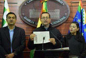 Ortiz: 4 de 18 helicópteros adquiridos por el Gobierno se usan en incendios