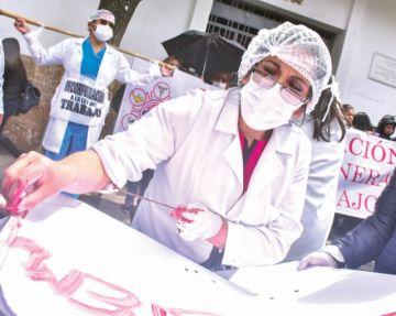 Médicos y Gobierno urgen al diálogo tras fallo del TCP