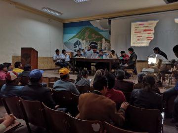 Choferes suspenden paro tras acuerdo con Alcaldía y Gobernación