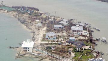 Bahamas repara daños y EEUU levanta alarmas