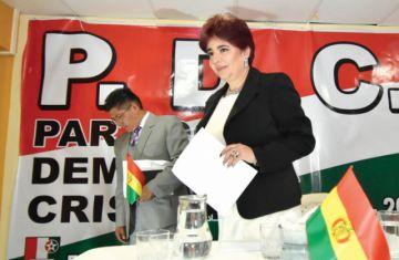 Barriga renuncia al PDC y revela venta de cargos