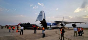 Llega primer helicóptero Chinook para apoyar en la extinción de incendios