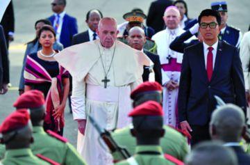 El Papa condena en Mozambique alta corrupción