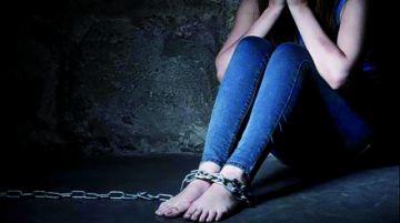 Encierran a dos supuestos traficantes de adolescente