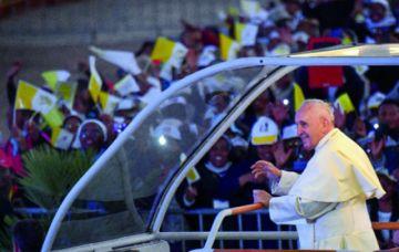 El Papa reúne a 100 mil jóvenes en Madagascar