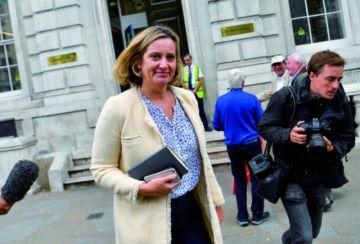 Brexit: Ministra británica de Trabajo deja el cargo