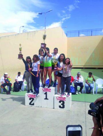 Chuquisaca sube al podio en Nacional de pelota raqueta
