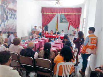 Cívicos de seis regiones definen paro indefinido