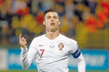 Inglaterra golpea a Kosovo y Cristiano golea a Lituania