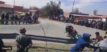 Mira el accidente del motociclista chuquisaqueño Eduardo Guamán