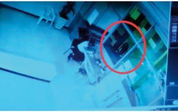 Abandonan a bebé en puertas de un hospital