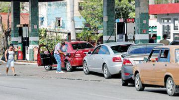 Cuba vive escasez de gasolina por presión de EEUU