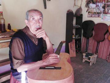 Adiós al reconocido luthier Trifón Pimentel