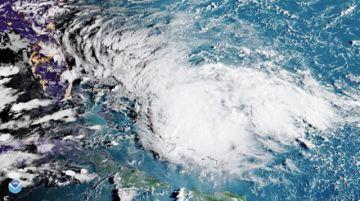 La tormenta se vuelve huracán en las Bahamas