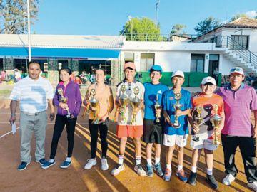 Sucre se motiva con títulos en el tenis
