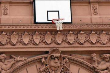 Colocan un aro en la Casa Rosada
