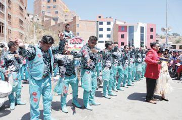 Morenadas cerraron el festejo a Guadalupe