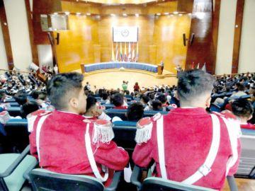 Bolivarianos debaten sobre arte y educación