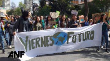 Jóvenes en Bolivia se suman a protesta contra el cambio climático