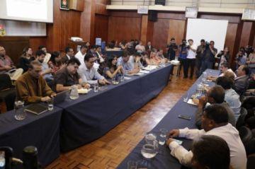 Gobierno y médicos reinician diálogo en Cochabamba