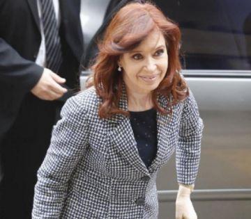 Juez dispone juicio oral contra Cristina Fernández