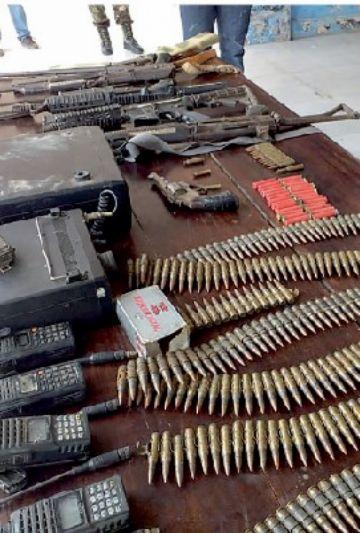 Secuestran tres avionetas y armas a narcos