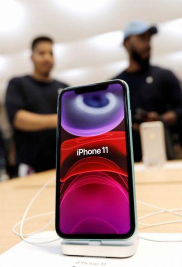 Frialdad entre el público en lanzamiento de iPhone