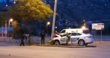 Vehículo de la Policía protagoniza accidente en Sucre