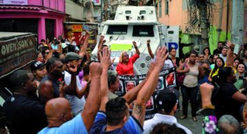 Muerte de niña en Favela rebrota indignación en Río.