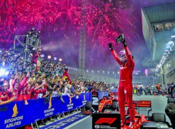Vettel vuelve a sonreír