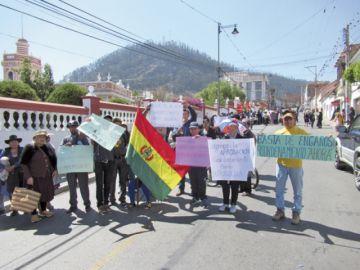 Protestas asedian al  Palacete de El Guereo