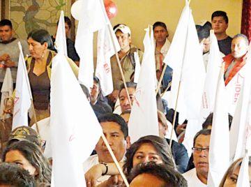 Opositores buscan formar alianza para subnacionales