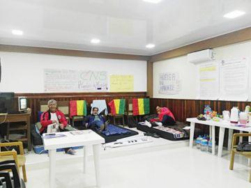Médicos cumplen tercer día de huega de hambre