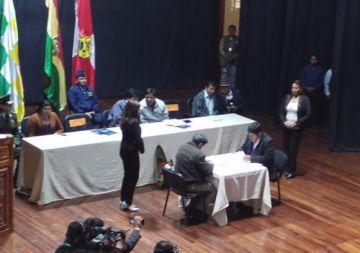 Firman convenio de cofinanciamiento para el nuevo aeropuerto de Potosí