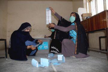 Al menos dos muertos y 40 heridos en las elecciones, según el Gobierno afgano