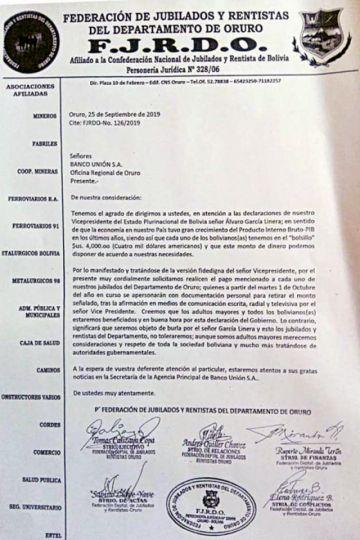 Jubilados piden al Banco Unión sus $us 4 mil