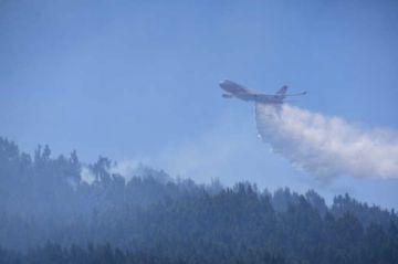 Envían Supertanker a sofocar incendio en el Tunari