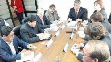 Logran acuerdo para permitir el paso de camiones parados en Arica