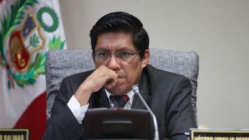 Gobierno de Perú no acepta la renuncia de la vicepresidenta Aráoz