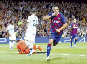 Suárez rescata al Barça