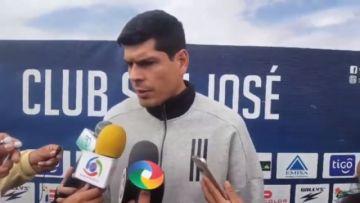 Lampe entra en huelga y revela que prestó dinero a San José