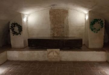 La Catedral exhibe restos  del Arzobispo de La Plata